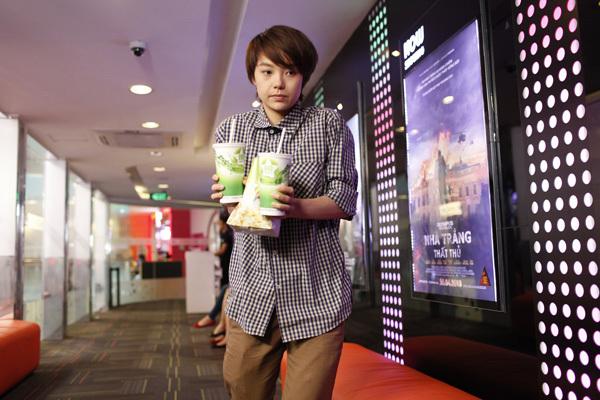 Trong phim truyền hình 'Vừa đi vừa khóc', Minh Hằng đóng vai Đông Dương - một cô gái có thân phận đặc biệt nên phải sống trong vỏ bọc là một đứa con trai.