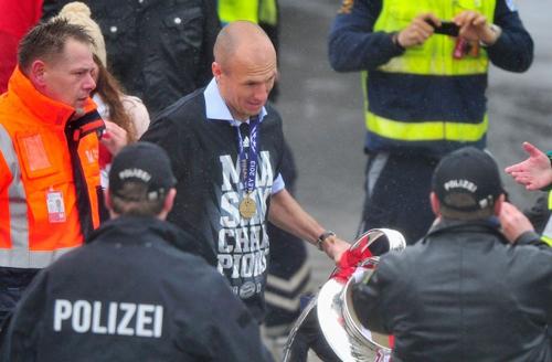 Người được truyền thông Đức chú ý nhất chính là Robben, cầu thủ ghi bàn thắng quyết định ở phút 89 giúp Munich vô địch.