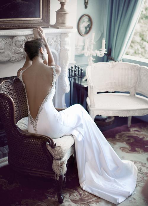 Váy cưới siêu sexy của Bertal Bridal