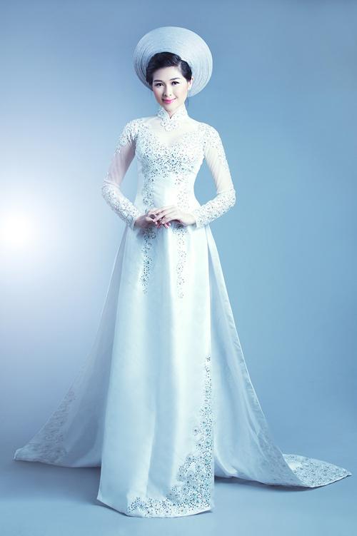 Áo dài cưới đẹp tựa Nam Phương hoàng hậu