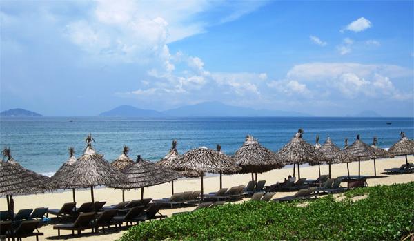 Biển An Bàng vẫn còn nguyên vẻ hoang sơ thuần khiết. Ảnh: vietnamonaplate