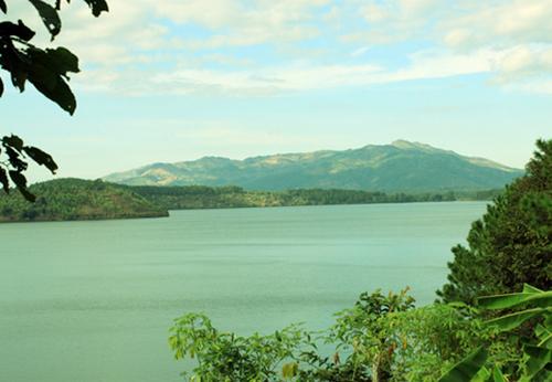 Một góc biển hồ T'nưng.