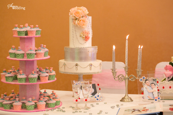 pinkwedding2-773557-1370416065_600x0.jpg