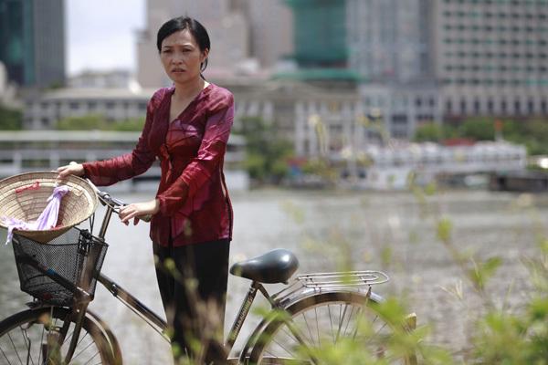 Chị Chanh mấy lần đòi li hôn để làm lại cuộc đời và lo cho con cái tốt hơn, nhưng bà nội không chịu, vì quan niệm của bà nội vẫn theo quan niệm cũ là phụ nữ thì không được li dị chồng nếu li dị thì bà sẽ từ Phương Thanh luôn.