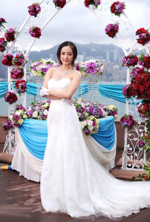Dương Mịch trở thành cô dâu trên màn ảnh.