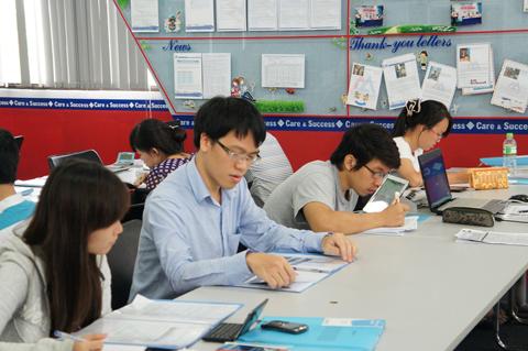 Lê Quang Liêm thăm lại trung tâm Anh ngữ AMA - nơi kiện tướng đã học tiếng Anh theo mô hình Active Learning và đạt được điểm số IELTS 6.5.
