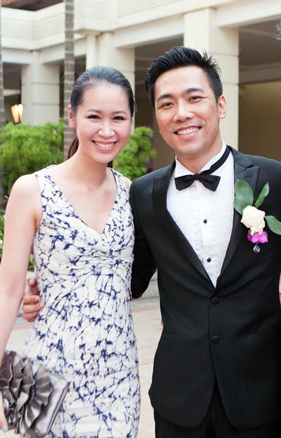 Hoa hậu Thân thiện Dương Thùy Linh một mình đi dự đám cưới. Cô là bạn thân của chú rể Tuấn Anh.