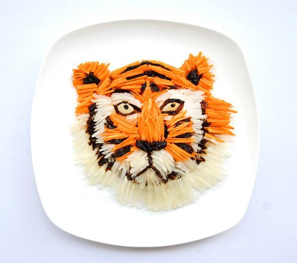Bạn có thể dễ dàng xơi tái 'thịt hổ' nếu cũng làm giống Hong Yi thế này.
