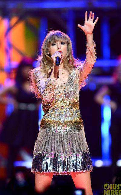 Taylor Swift iHeartRadio Music Festival Performance 2012.