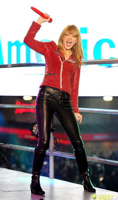 Taylor Swift hits the stage to perform for millions of people during Dick Clarks New Years Rockin Eve with Ryan Seacrest 2013 at Times Square.