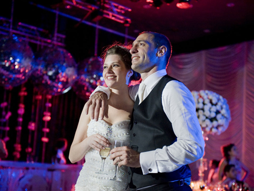 Cặp đôi chính thức trở thành vợ chồng sau 7 năm hẹn hò.