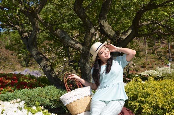 Bộ ảnh của Hồng Phượng do nhiếp ảnh Hooseki Đặng ghi lại, với sự hỗ trợ của stylist Aisumi.