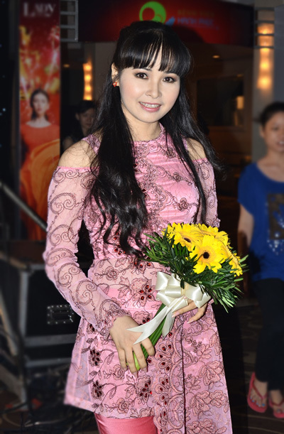Ca sĩ Trang Nhung - người gần đây gây xôn xao với căn nhà trăm tỷ ở TP HCM.