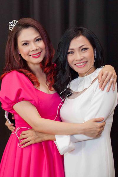Thanh Thảo và Phương Thanh là những nghệ sĩ rất thân thiết với nhau. Thời mới đi hát, Thanh Thảo luôn để tên Phương Thanh ở danh mục 'Ca sĩ yêu thích' khi được các báo phỏng vấn.
