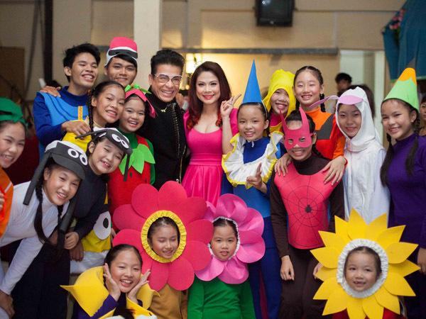 Các em nhỏ dành tình cảm đặc biệt cho nữ MC Giọng Hát Việt Nhí.