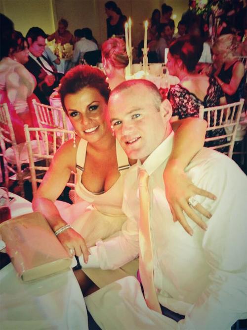 Coleen quyến rũ trong đám cưới của Gibson hôm cuối tuần.