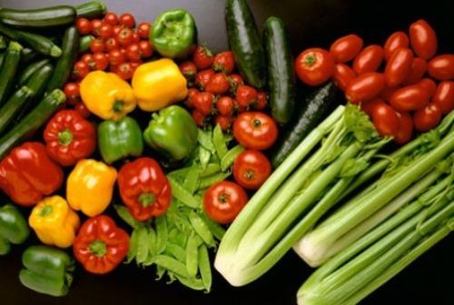 nước trái cây, rau quả giúp nhanh chóng đào thải và giải hết các độc tố, giảm lượng calo tiêu thụ hàng ngày để cơ thể trở nên thon gọn và giảm cân hiệu quả hơn.