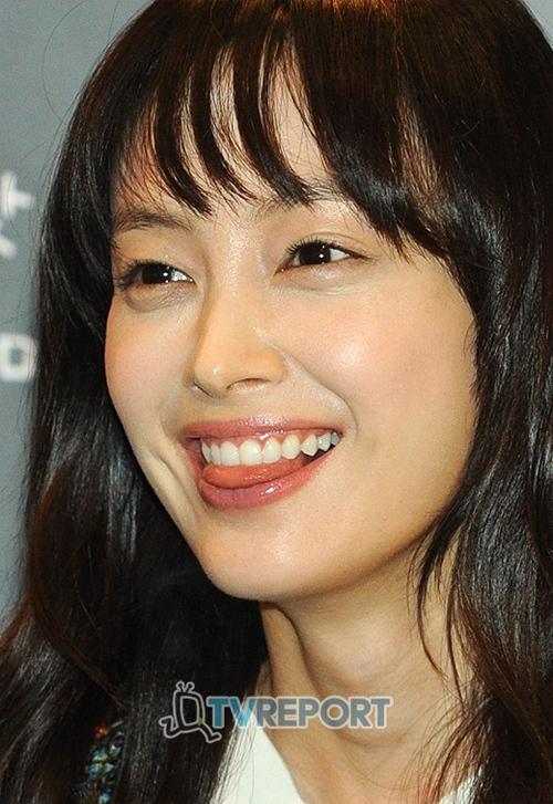 """Cận cảnh gương mặt của nữ diễn viên xứ Hàn. Sau khi mối quan hệ của cô và Won Bin được công khai, tên cô trở nên """"hot"""" trên mạng Internet."""