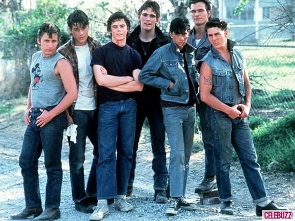 Tom Cruise ngoài cùng bên phải.
