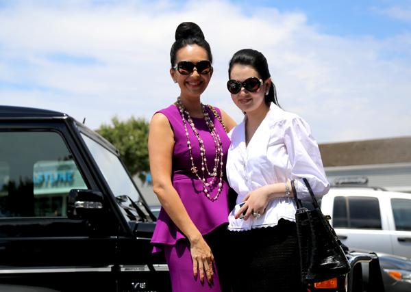 Diễm My và Kim Thoa là chị em thân thiết trong nghề. 'Nữ hoàng ảnh lịch' một thời rất vui khi có dịp gặp lại