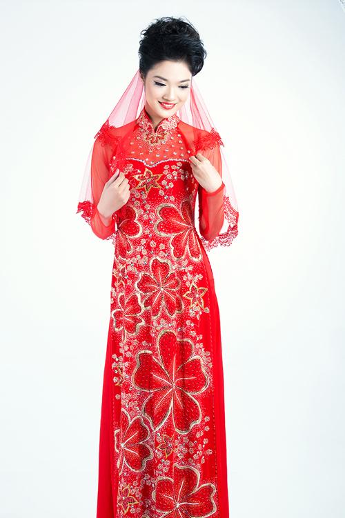 Áo dài cưới đỏ thắm sắc hoa