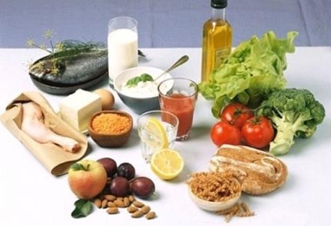 Nhịn đói không giúp bạn giảm cân lâu dài mà còn khiến năng lượng trong cơ thể bị thấp.