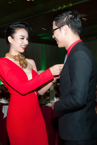 Kể từ sau khi dẫn chương trình cùng nhau tại vòng chung kết Hoa hậu Dân tộc 2013, cả hai trở nên thân thiết.