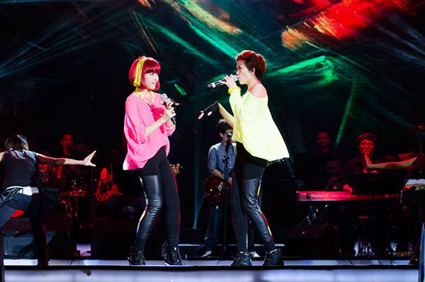 Với vóc dáng, gương mặt đẹp và giọng hát tốt, hai chị em Thiều Bảo Trang - Thiều Bảo Trâm