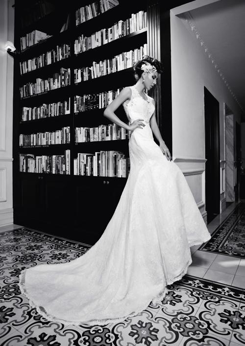 Bên cạnh những chiếc váy hoa nổi cầu kỳ thì chiếc váy thiế