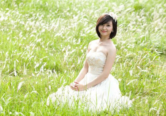 Nguyễn Thị Ngọc Sung sinh năm 1993, cao 1m60, nặng 46 kg, số đo ba vòng 79-61-88.