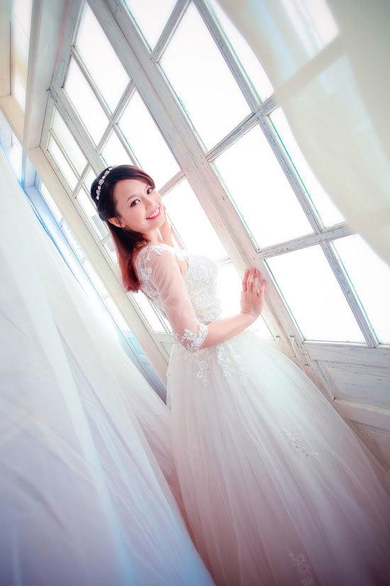 Nguyễn Thị Thu Trang sinh năm 1989, cao 1m60, nặng 44 kg, số đo ba vòng 88-60-89.