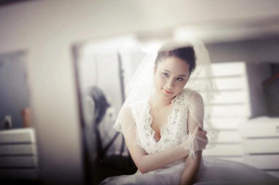 Đinh Thị Thùy Linh sinh năm 1991, cao 1m70, nặng 50 kg, số đo ba vòng 91-65-95.
