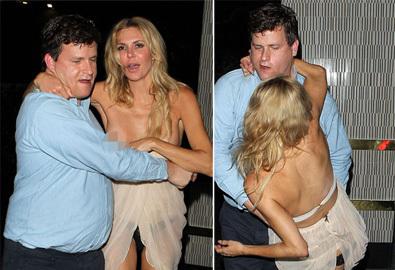 Người đẹp Hollywood say xỉn tốc cả váy áo
