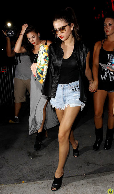 Selena Gomez step out of Staples Center after watching Beyonce's Mrs. Carter World Tour on Monday (July 1) in Los Angeles.