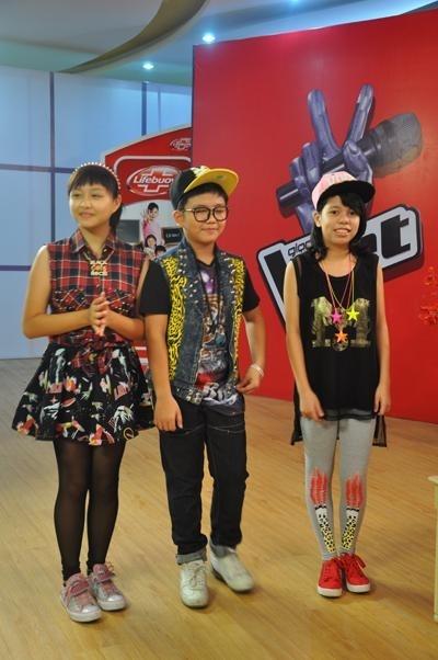 Được sự tư vấn của stylist, các bé đã có được bộ trang phục phù hợp cho đêm diễn.