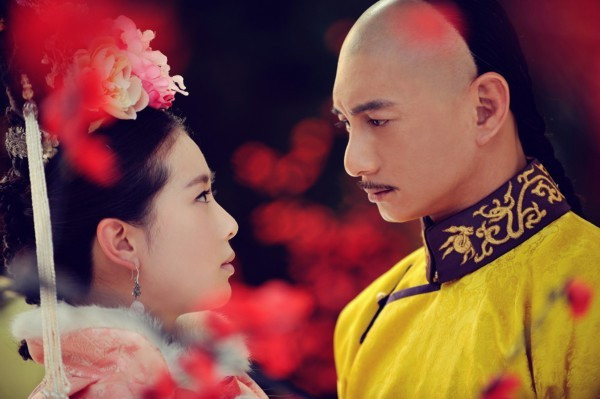 """Lưu Thi Thi và Ngô Kỳ Long đã khiến khán giả rơi nước mắt với tình yêu """"vượt thời gian"""" trong bộ phim """"Bộ bộ kinh tâm""""."""
