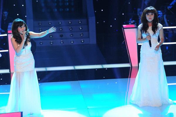 Một cặp khác khá ấn tượng của đội Đàm Vĩnh Hưng phát sóng trong tập 3 là Diễm Hương - Hồng Gấm. Họ mặc trang phục