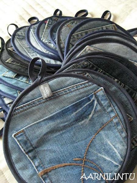 Vải jeans dày quá lý tưởng để làm lót nồi, bạn sẽ không bao giờ lo bị bỏng tay.