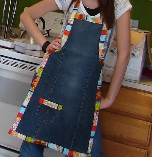 Việc nấu nướng thêm thú vị nhờ chiếc tạp dề đẹp.