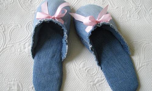 Một đôi dép đi trong nhà bằng vải jeans, bạn đã bao giờ nghĩ tới chưa?