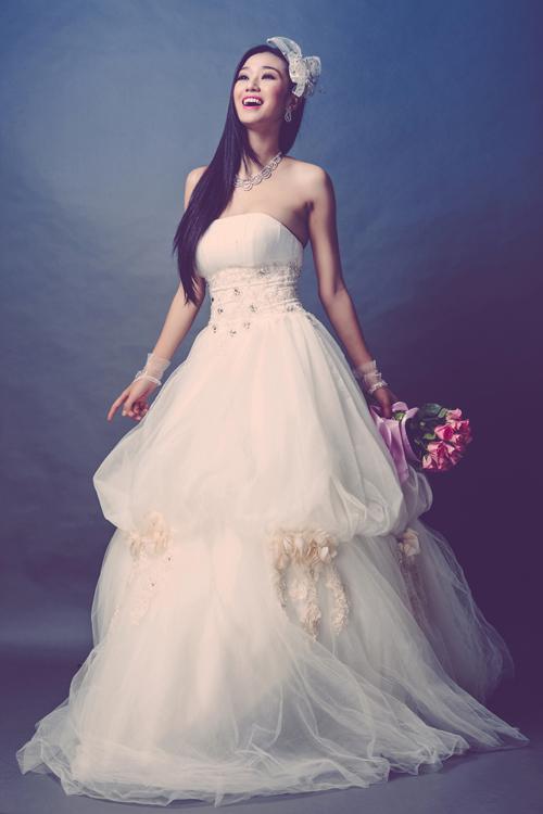 Lấy ý tưởng từ những chiếc váy trong truyện cổ tích Disney, dáng váy xòe