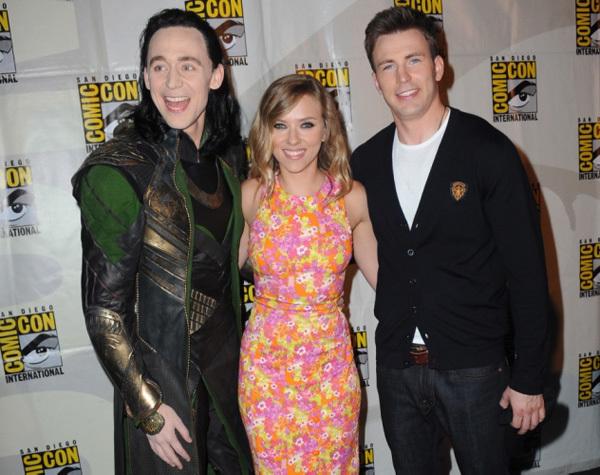 Tom Hiddleston mặc đồ như Loki
