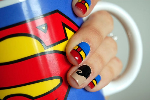 1nail-superman-1375345212_600x0.jpg