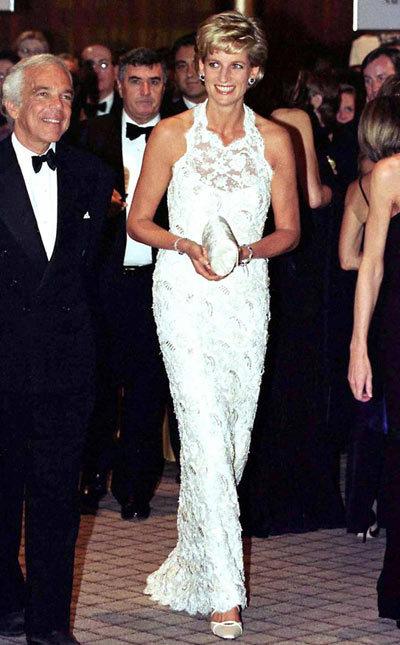 Diana-dress-10-1375863430_600x0.jpg