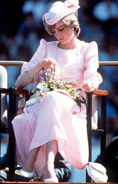 Diana-dress-4-1375863428_600x0.jpg