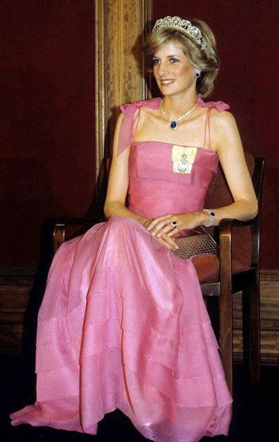 Diana-dress-5-1375863429_600x0.jpg
