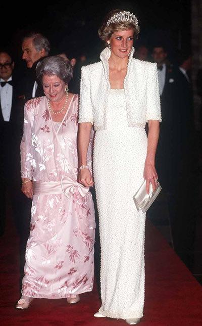 Diana-dress-6-1375863429_600x0.jpg