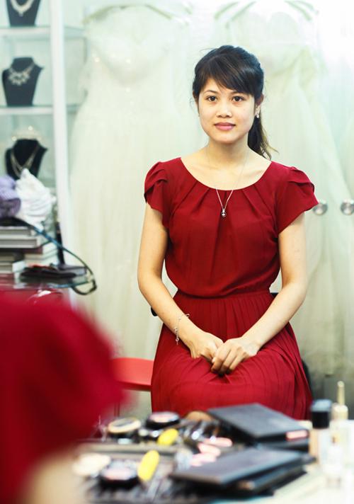 Làm đẹp cho cô dâu thích style giản dị