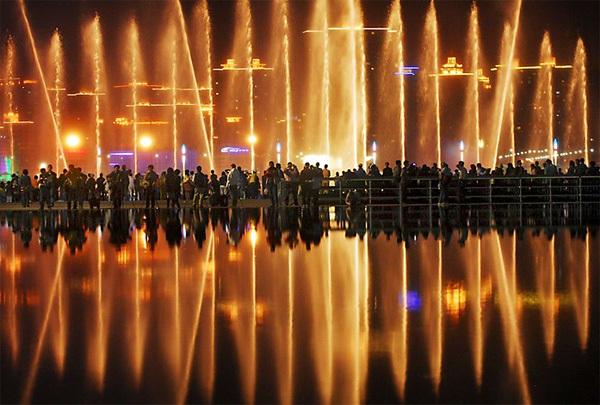 fountain7-1376104153_600x0.jpg