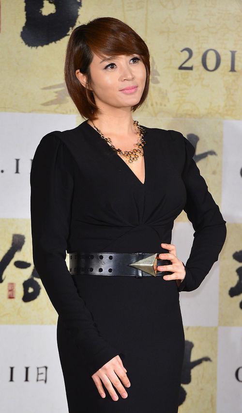 """Kim Hye Soo góp mặt trong buổi họp báo ra mắt phim mới """"The Face Reader"""" tổ chức tại"""